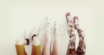 Blije sokken en hippe schoenen voor je kids